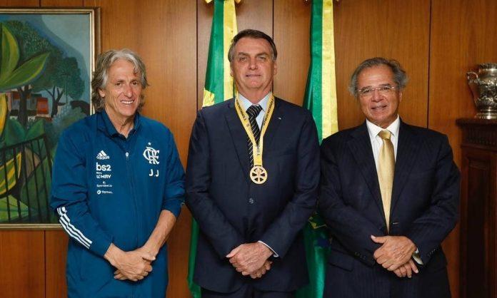Encontro de Bolsonaro e Paulo Guedes com o ex-técnico do Flamengo Jorge Jesus em 17/02/2020 - Foto: Marcos Corrêa/PR