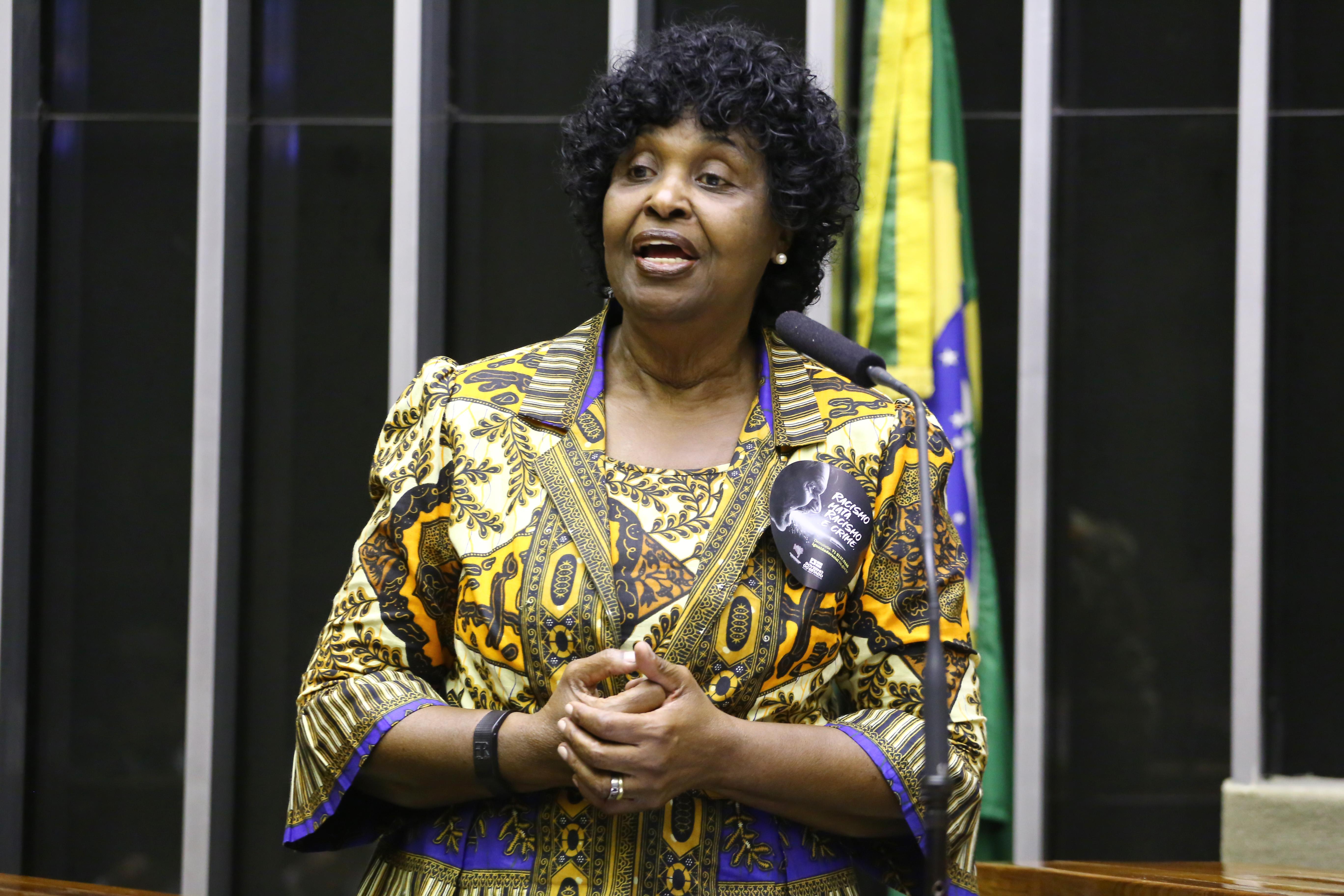 A deputada Benedita da Silva (PT/RJ), em sessão solene em homenagem ao Dia Nacional da Consciência Negra em 2019. Foto: Vinícius Loures/Câmara dos Deputados